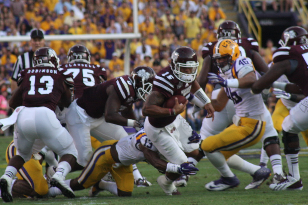 LSU Hunter sacks Prescott in the 1st qt.