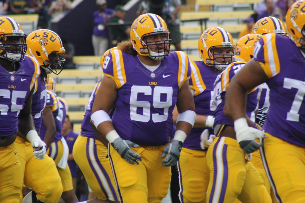 Here comes the LSU linemen....