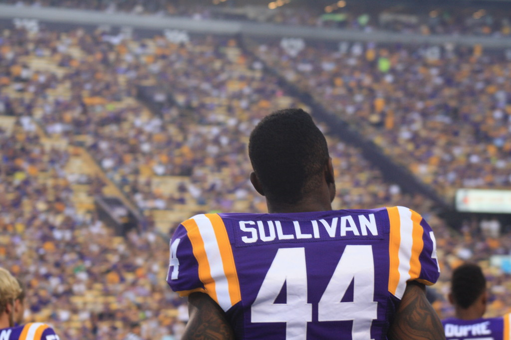 LSU no.44 Sullivan kicking back....