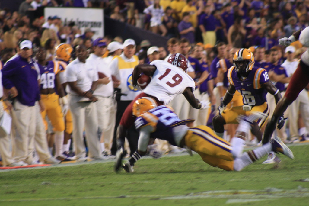 The LSU Secondary makes a tackle.