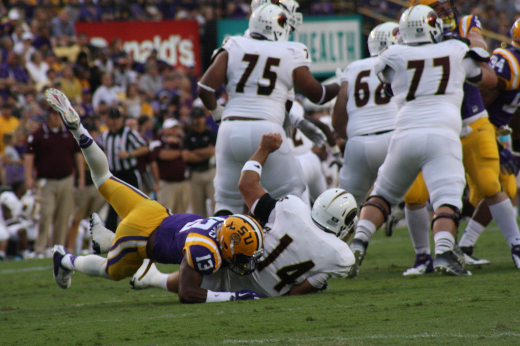 LSU CB 13, Dwayne Thomas takes down the UL QB
