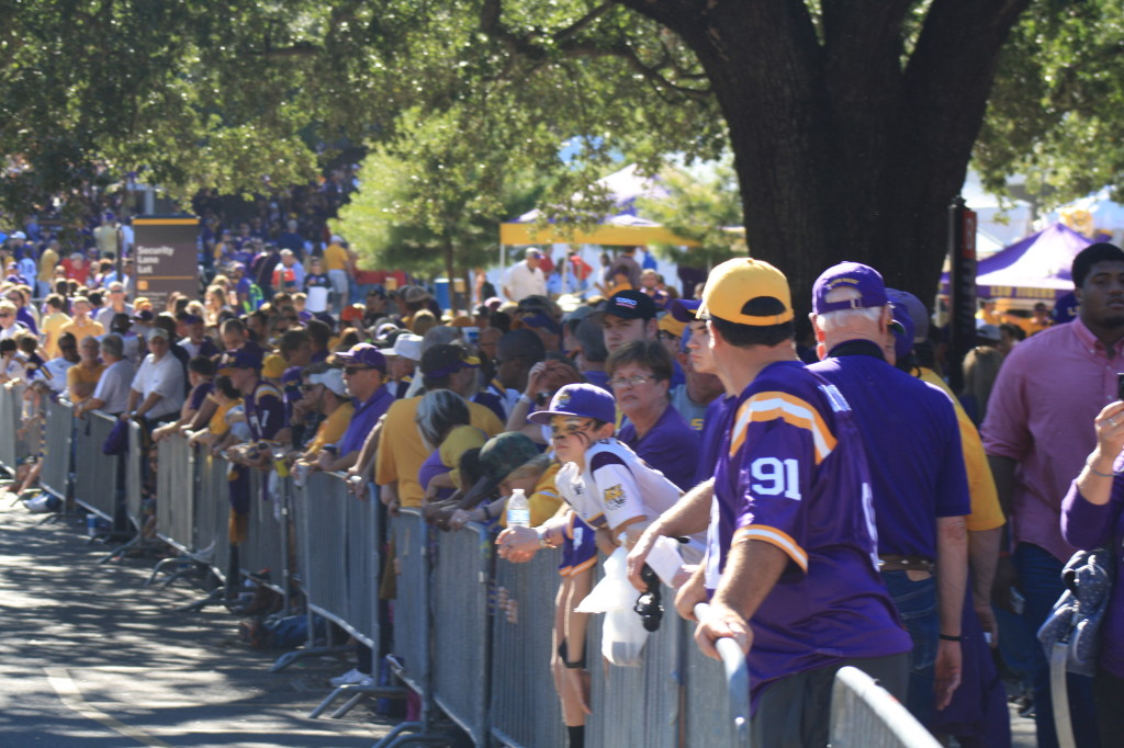 LSU Fans waiting for the Tigers to walk to the stadium.