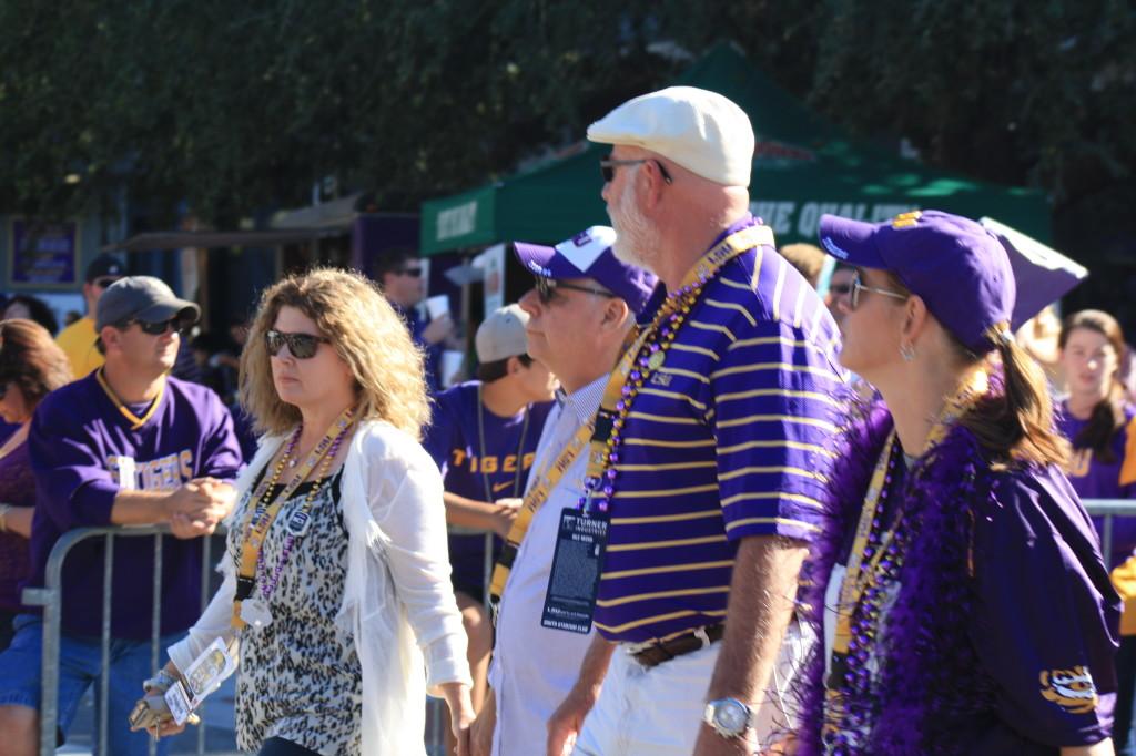 LSU Fans walking down to Tiger Stadium