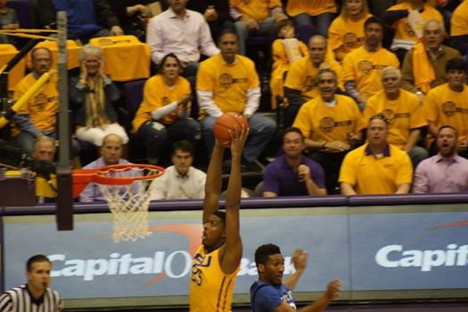 LSU Jordan Mickey goes up for a dunk against Kentucky.