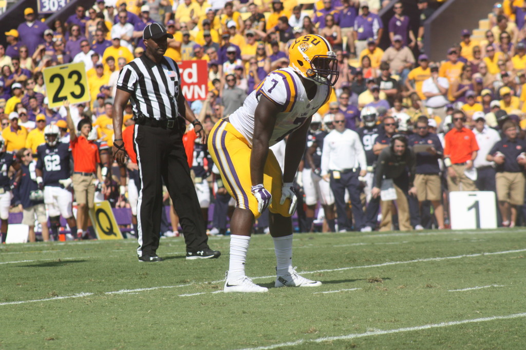 LSU Fournette waiting for the snap.