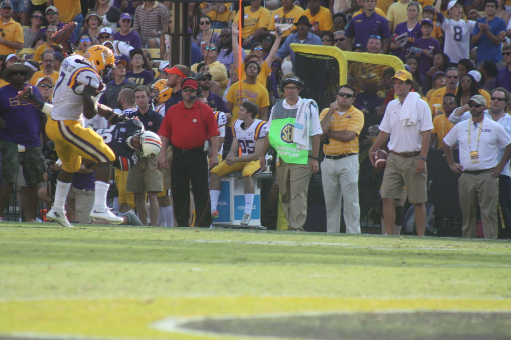 There goes a Auburn defender saying Fournette would be no trouble to tackle.