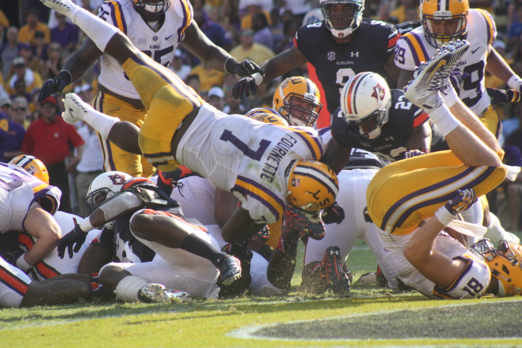 LSU Fournette goes up and over, for his 3rd td of the day.
