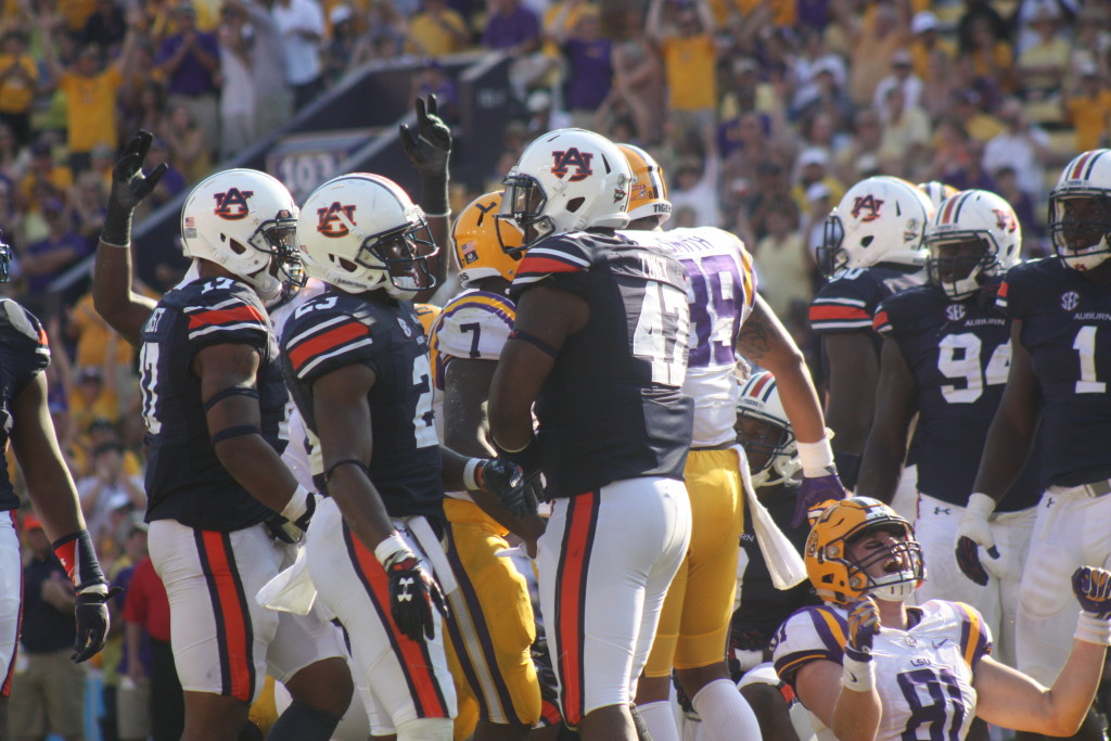 LSU te Jeter is excited after Fournette scores a td....