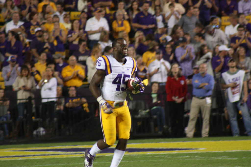 LB Deion Jones from New Orleans,La running out for LSU Senior Day.